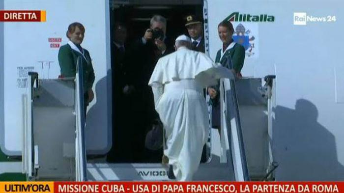 Ya vuela hacia Cuba el Papa Francisco