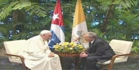Papa Francisco sostiene encuentro privado con Raúl Castro