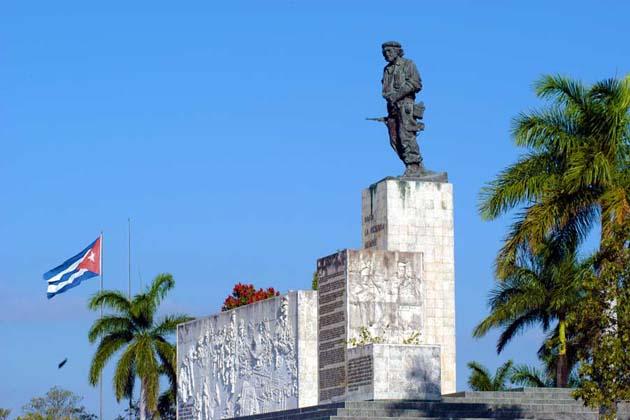 Fidel reposará esta noche en monumento al Guerrillero Heroico